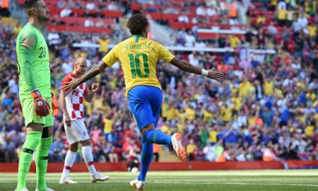 1fe4cf1b41 Jogo marcou o retorno de Neymar aos gramados e ao protagonismo que se  espera dele na Seleção