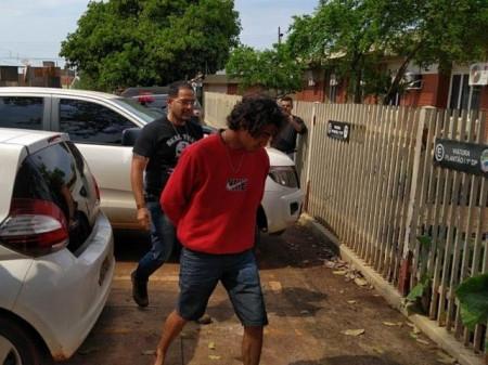 63ae4b7ec Rodrigo chega à 1ª Delegacia de Polícia Civil em Dourados após ser preso em  Itaporã